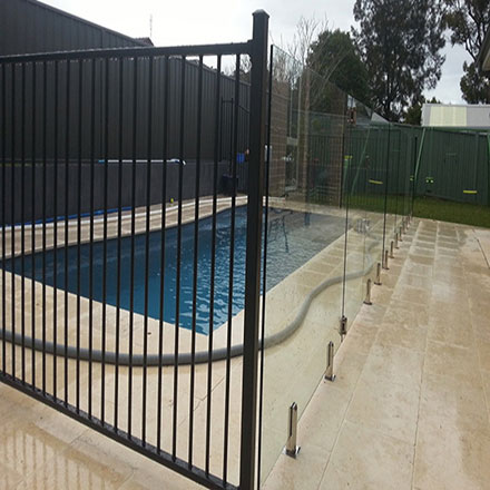 Flat top fencing